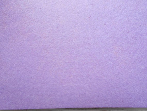 Feuille de feutrine format A4 de couleur parme violet clair