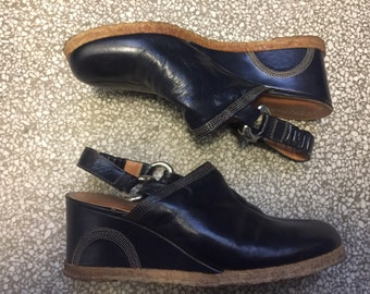 Vtg 70s Mod Navy Blue Leather Wedges / Size 6 / Sandler of Boston / Made in Italy