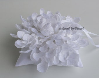 White Ring pillow with curly flower-ring bearer, ring cushion, ready to ship