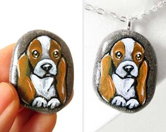 Beagle Dog Necklace, Pet Portrait Stone, Dog Art Jewelry, Animal Lover Gift, Hand Painted Pebble, Beach Rock, Art Pendant, Dog Owner Gift