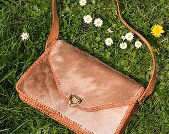 Vintage Cowhide Bag, Vintage Leather Shoulder Bag, Cow Hide Handbag, 70s Boho Leather Bag, Tan Bag