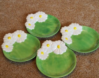 Ceramic Plates - Green with a three White Daisey's