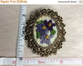 10%OFF3DAYSALE Vintage Gold Toned Purple Flower Needle Point Pin Brooch Used