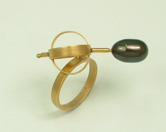 Handmade Gold 18k Ring with Black Pearl (Χειροποίητο Χρυσό 18k Δαχτυλίδι με Μαύρο Μαργαριτάρι)