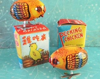 Pair of Vintage Wind Up Pecking Chickens NOS