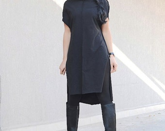 Black asymmetrical dress with short sleeves for oversized women, cowl neck caftan tunic, plus sized mid knee everyday dress, winter clothing