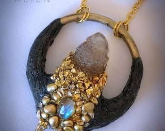 Necklace with smoky quartz, Labrador cabochon and rock crystals. Polymerclay and gold metal inserts.