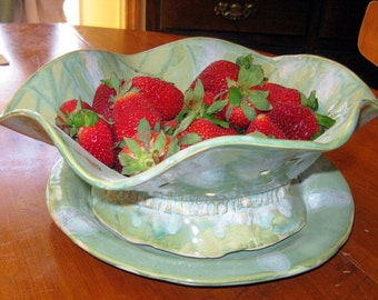 Stoneware Berry Bowl and Plate