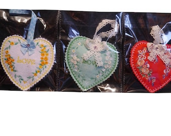 Pack of 3 lavender hearts