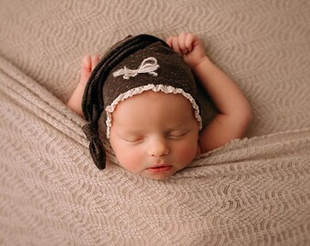 Newborn Girl Chestnut Sleepy Cap with Bow, baby girl, knit, sleep cap, bow, brown, photography prop,