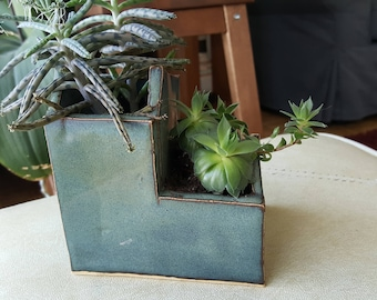 Cottage shaped cactus or succulent pot