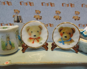 Bears two miniature plates for Dollhouse 1:12 scale
