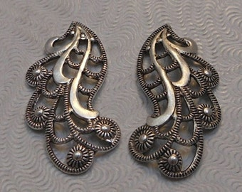 LuxeOrnaments European Filigree Antiqued Sterling Silver Plated Brass Pendants (Qty 1 left-right matched pair) 24x12mm A-30551-S