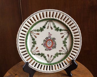 Crest Tassel Plate from England