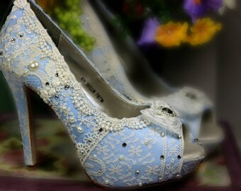 Something Blue Wedding Heels . Blue Lacy High Heels . Bridal Shoes . Vintage Lace Wedding Shoes .  Comfy High Heels . Something Blue Shoes