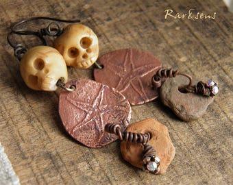 Rustic earrings-vintage style-nomadic look-bohemian earrings-gypsy earrings-copper medal-artisanal starfish medal-beige-copper-gray