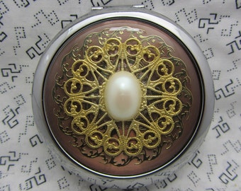 Compact Mirror Pearly Pearl Comes With Protective Pouch