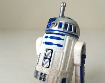 Vintage Star Wars R2D2 Action Figure Toy with Launching Lightsaber, 1990s Kenner Hasbro Star Wars Gift