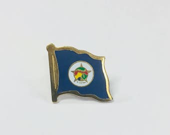 Minnesota State Flag Pins