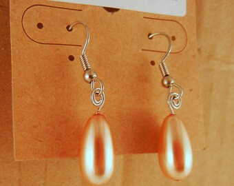 Glass Tear drop Earrings cream