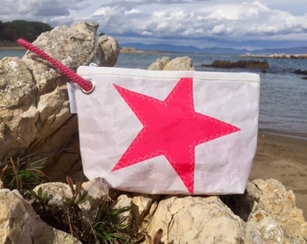 Unisex toilet bag made in 100% sailcloth. Handmade/unisex handmade boat candle bag