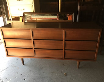 Mid Century Danish Modern Johnson-Carper Triple Nine Drawer Credenza Dresser