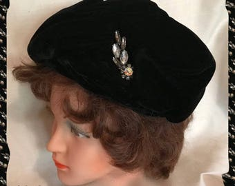 Tam Style Black Velvet Delmore Inc. Woman's Hat