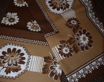 Table cloth -70s - Finlayson- Brown - Flower - Retro
