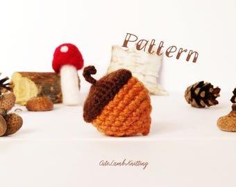 Crochet pattern, crochet acorn pattern, amigurumi pattern, amigurumi acorn pattern, crochet plush, crochet fall decoration, autumn decor