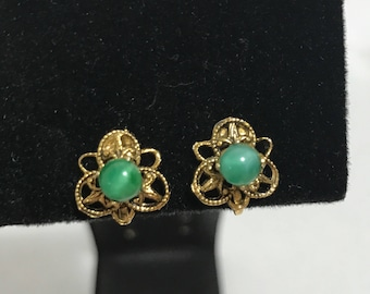 1950's | Vintage Screw Back Earrings | green beads and gold tone