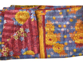 Handmade Vintage Kantha Quilt, Sari blanket, Twin size throw, Sofa cover, Kantha quilt, Indian Quilt Home Decor