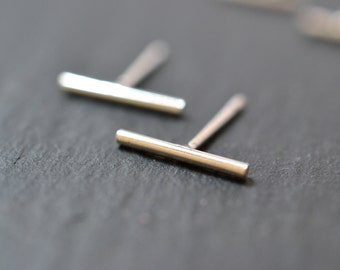 """READY TO SHIP. Bar studs in sterling silver """"Nude"""" Line earrings"""