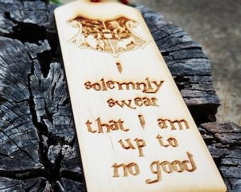 I solemnly swear that I am up to no good etched bookmark , harry potter Hogwarts Crest