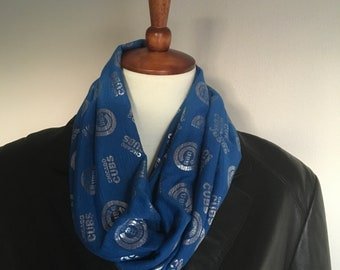 Chicago Cubs infinity scarf.  Cubbies scarf. Cubs infinity scarf. Royal blue and silver Chicago Cubs infinity scarf.