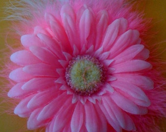 LG. LT. Pink Daisy with Hot Pink Marabou Hair Clip
