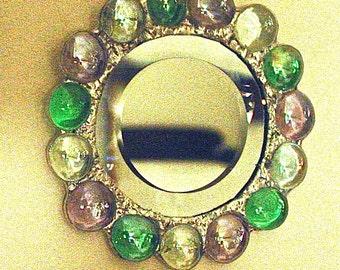 Small primping mirror