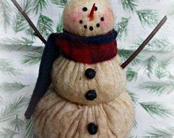 Lil Flake | Primitive Snowman | Snowman decor | Snowman collector | Farmhouse snowman | Winter decoration | Winter decor | Stuffed snowman
