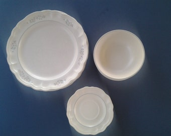 Vintage Ceramic Pfaltzgraff  Ivory Remembrance Plate, Saucer, and Bowl Set - 1984