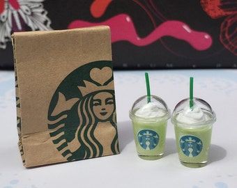 Miniature Starbuck Paper Bag and 2 pcs Ice Starbuck Gree Tea,Miniature coffee cup Starbucks,Miniature Coffee,Dollhouse Starbucks,Coffee