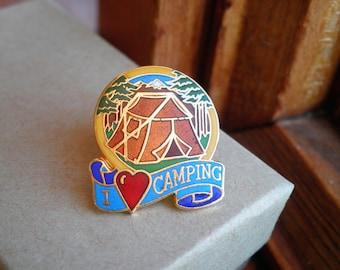 Broche Vintage en émail - I Love Camping Wanderlust broche - I Heart Pin Camping - kitsch rétro Happy Camper à l'extérieur Pin cloisonné bijoux cadeau