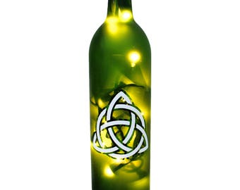 Celtic Lighted Wine Bottle - Wine Gift, Wine Decor, Gift For Her, Wine Bottle Lamp, Irish Pride, Housewarming Gift, Wine Bottle Decor, Green