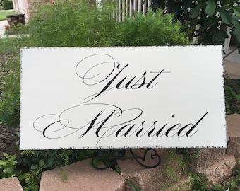 Just Married Getaway Car Sign | Wedding Limo Sign | Wedding Photo Prop | Carriage Sign | Wedding Cart | Castle Inn Designs