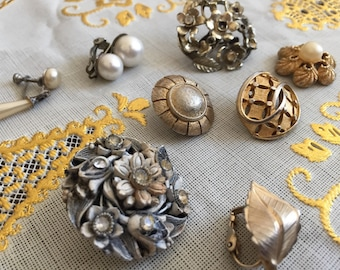 Vintage Jewelry Lot 8 Pieces Mismatched Clip Earrings, Screwback Earrings. Great project supplies. Lapel pin brooch Faux pearl dangle gold
