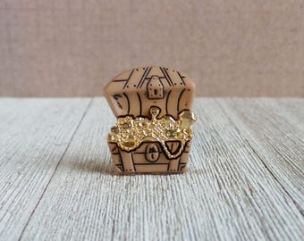 Treasure Chest - Gold - Pirate's Gold - Jewelry - Lapel Pin
