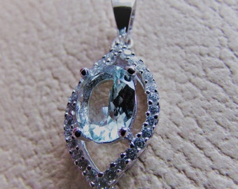 Natural Aquamarine 1.00 Ct - Sterling Silver Pendant