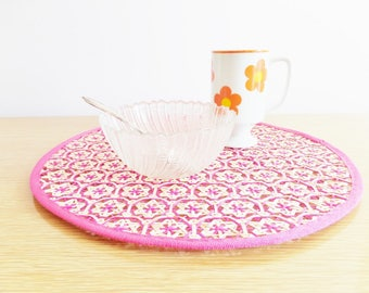 Mid Century Rattan Placemats - Hot Pink Wicker - 1970s Retro Kitchen - Set of 4