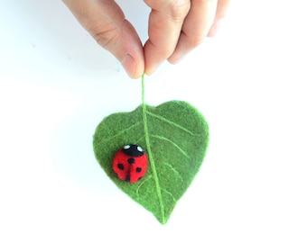 Felt Brooch Leaf with Ladybug, Felted Brooches, Wool Felt Summer, Needle Felted Insect, Gift for Her