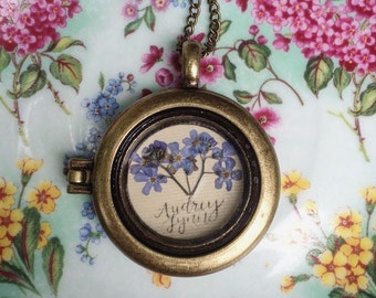 Personalized Pressed Forget-Me-Not Remembrance Necklace;Locket;Grief Care; Remembrance Jewelry; Thinking of you Gift; Sympathy Gift