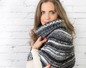 Chunky cowl | Knitted neckwarmer | Clothing gift for women Knitted winter accessories Winter wool scarf Handmade winter chunky collar
