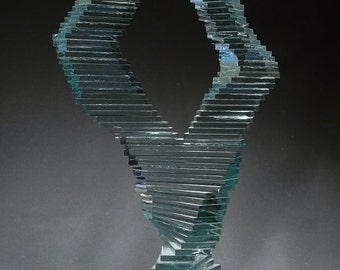 Spanish dancer, build this sculpture with our step by step instructions.